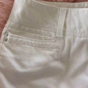 Larry Levine Pants - White Cropped Pants Size 8